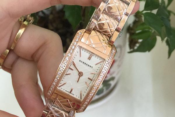 Đồng hồ nữ cao cấp Burberry Quartz BR05