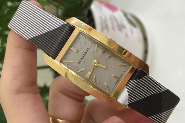Đồng hồ nữ dây da cao cấp Burberry Quartz BR06