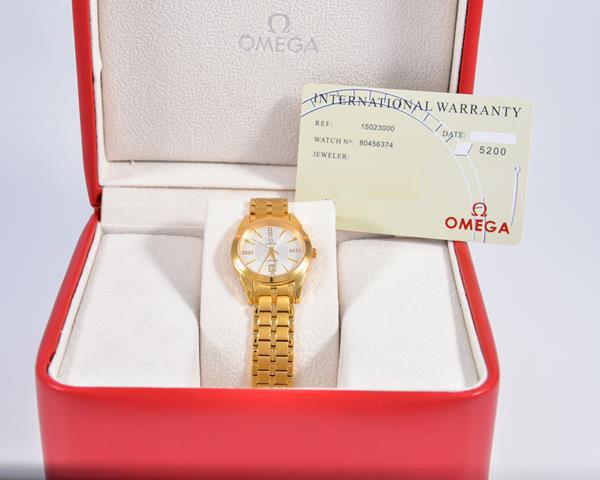 Đồng hồ cao cấp Omega Quartz Sapphire OM04