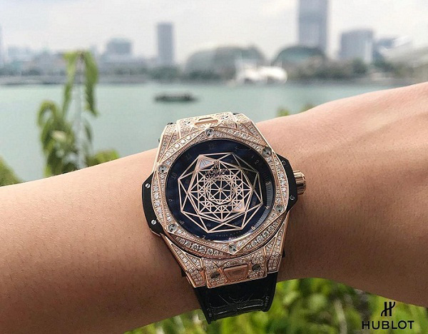 Hublot Big Bang King Gold Pave Sang Bleu 465.OS.1118.VR.1704.MXM18