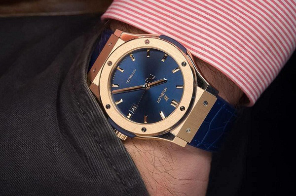 Đồng hồ đeo tay Hublot nam Classic Fusion Power Reserve King Gold Blue