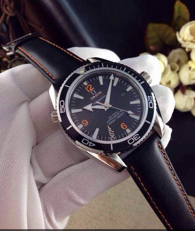 Đồng hồ Omega Co-Axial Chronometer 007