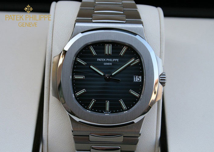 Đồng hồ nam Patek Philippe 5711/1A-010